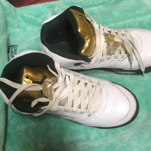 Air Jordan kids sneakers or adults with small feet